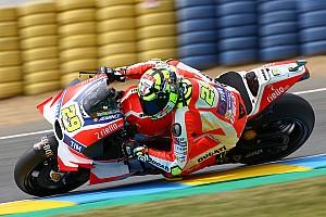 MotoGP Practice report Le Mans MotoGP: Iannone beats Lorenzo by 0.005s in FP3