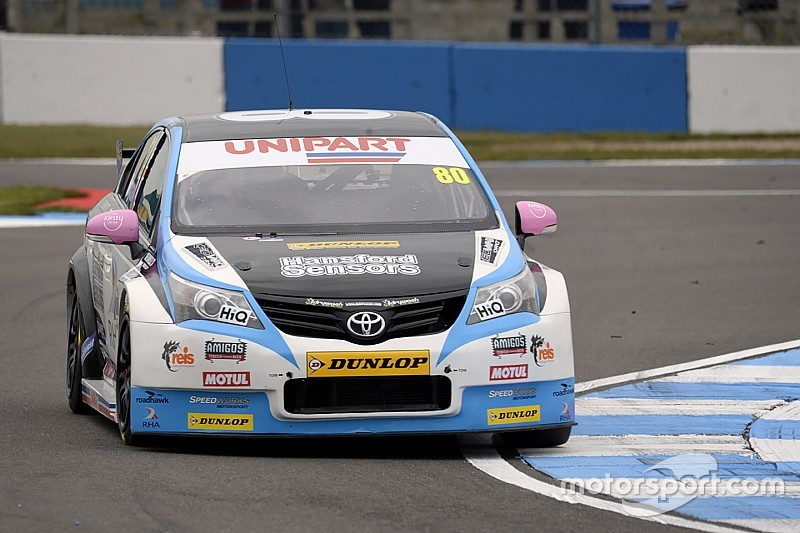 Brands Hatch BTCC: Ingram heads opening practice despite stopping