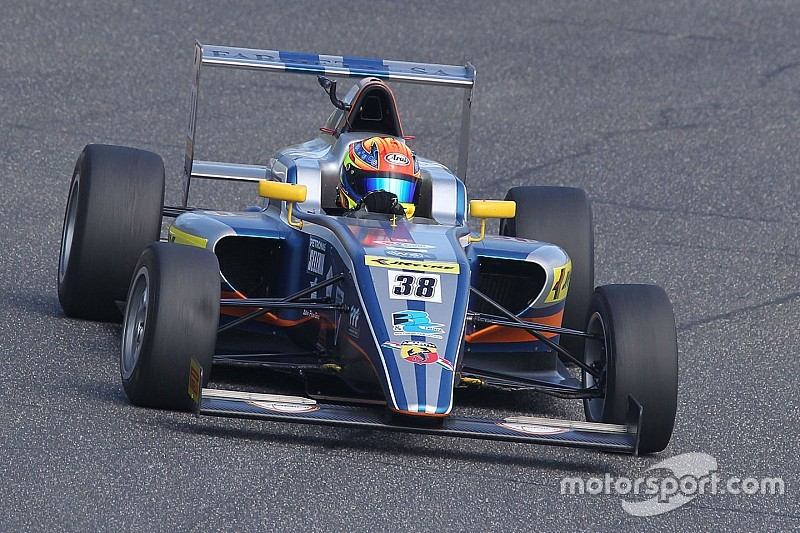 Maini hoped for better, but pleased with rookie Italian F4 season