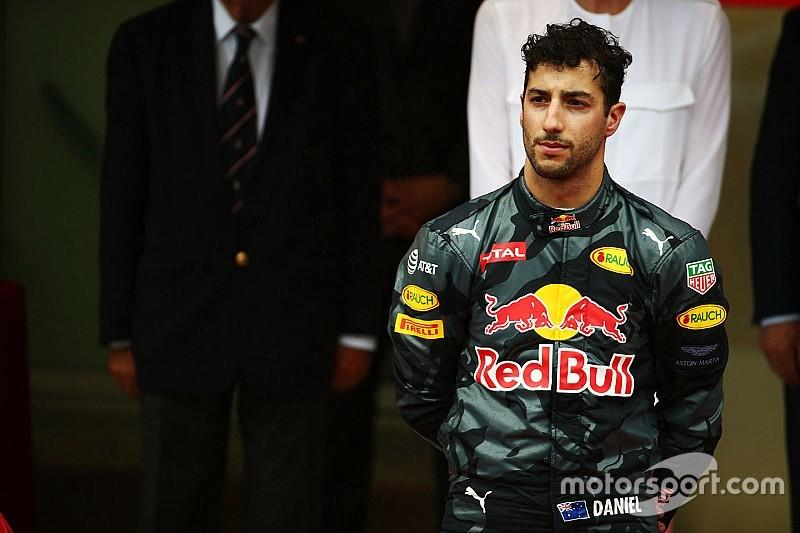 Команда Red Bull вибачається перед Ріккардо
