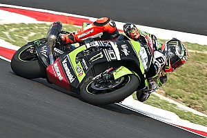 World Superbike Qualifying report Sepang WSBK: Sykes claims dominant pole as Lowes pips Rea