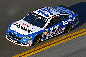 NASCAR Sprint Cup Breaking news Stenhouse, Roush boosted by long-term Fastenal deal