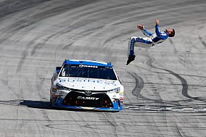 NASCAR Sprint Cup Race report Carl Edwards takes fourth Bristol win