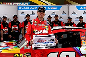 NASCAR Sprint Cup Qualifying report Kyle Busch earns Phoenix pole with Gibbs going 1-2-3
