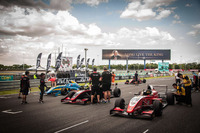 Formula Renault Photos - Grid atmosphere