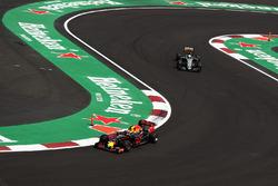 Temporada 2016 F1-mexican-gp-2016-max-verstappen-red-bull-racing-rb12-nico-hulkenberg-sahara-force-india