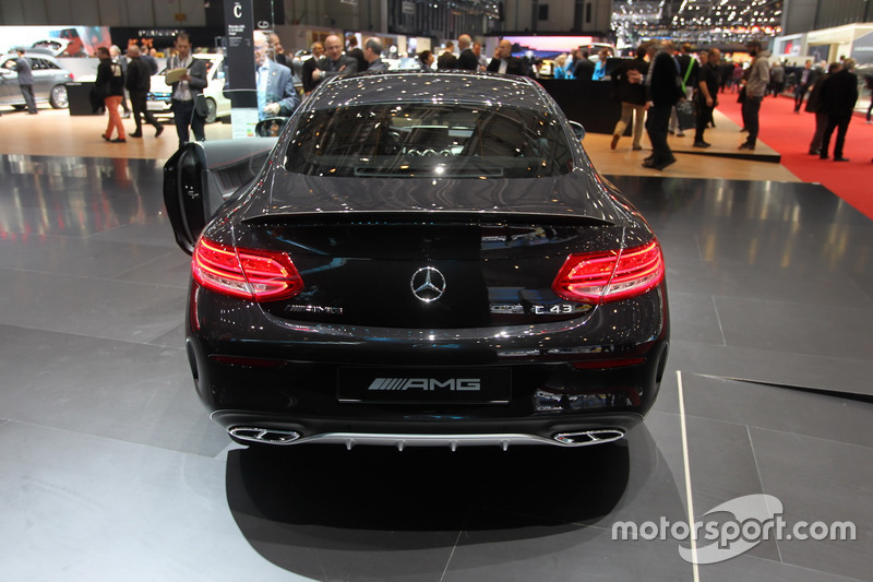 mercedes c43 amg coupe at geneva international auto show. Black Bedroom Furniture Sets. Home Design Ideas