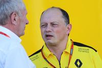 Формула 1 Фото - Доктор Хельмут Марко, консультант Red Bull и Фредерик Вассер, руководитель Renault Sport F1 Team