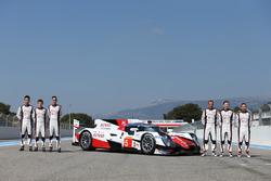 #5 Toyota Racing Toyota TS050 Hybrid: Anthony Davidson, Sébastien Buemi, Kazuki Nakajima, Mike Conway, Stephane Sarrazin and Kamui Kobayashi