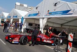 Dragon Racing garage atmosphere