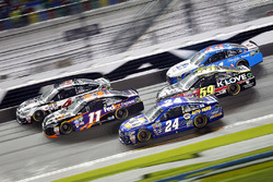Kevin Harvick, Stewart-Haas Racing Chevrolet, Denny Hamlin, Joe Gibbs Racing Toyota, Chase Elliott, Hendrick Motorsports Chevrolet