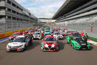 TCR Photos - Groupshoot with all cars and drivers of TCR Russia and TCR International