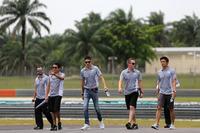 Formula 1 Photos - Esteban Ocon, Manor Racing and Rio Haryanto, Manor Racing
