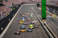 IndyCar Photos - Start: James Hinchcliffe, Schmidt Peterson Motorsports Honda leads