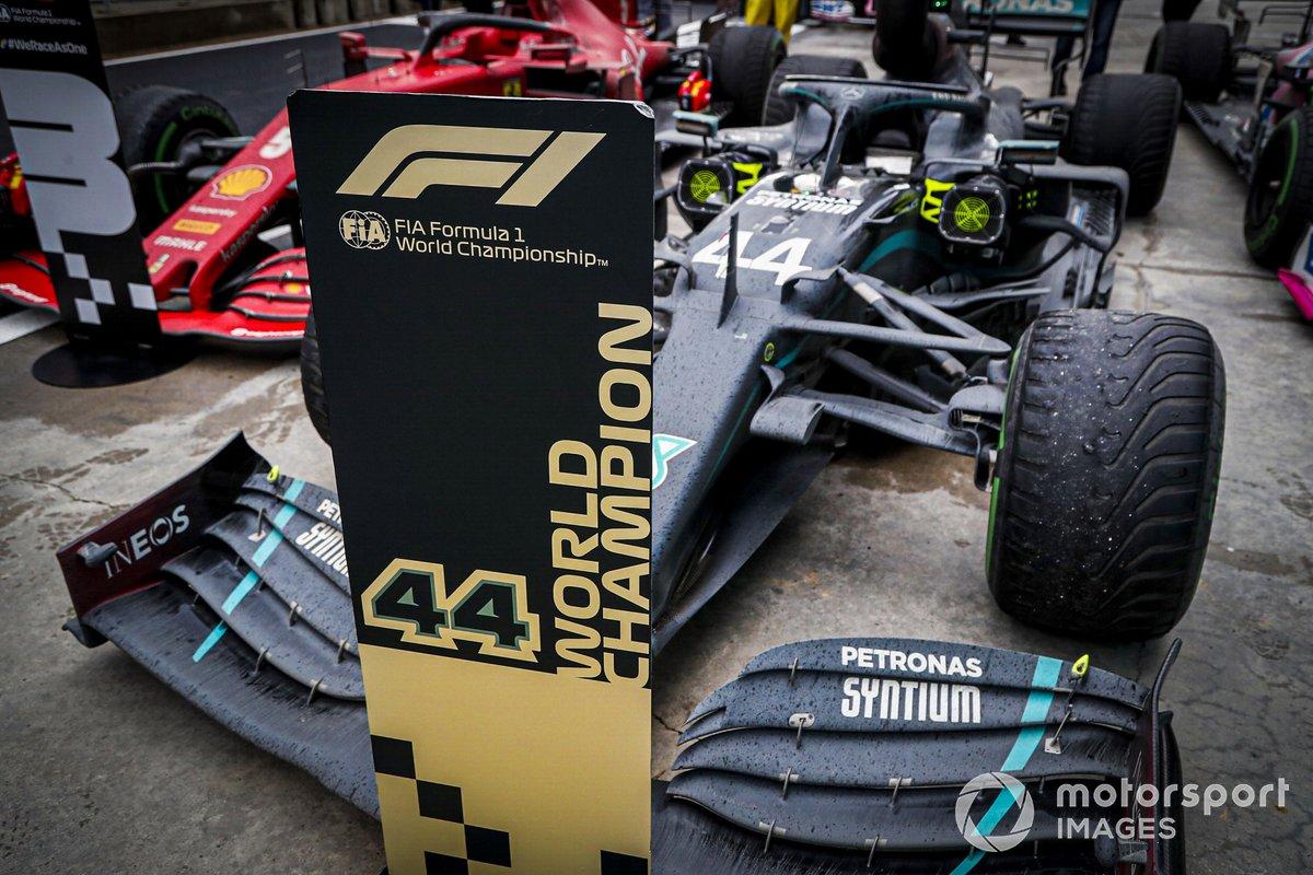 El coche de Lewis Hamilton al ganar el GP de Turquía y asegurar su séptimo campeonato del mundo.