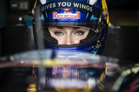 Formula 3.5 Photos - Lindsey Vonn drives Formula Renault 3.5
