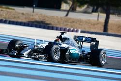 Pascal Wehrlein, Mercedes AMG F1 W06 Hybrid with 2017 Pirelli tyres