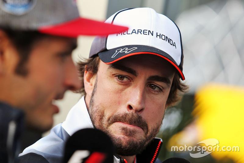 Fernando Alonso, McLaren and Carlos Sainz Jr., Scuderia Toro Rosso