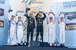 Podium: race winners Robert Alon, Tom Kimber-Smith, PR1 Mathiasen Motorsports, second place Jon Bennett, Colin Braun, CORE Autosport, third place Renger van der Zande, Alex Popow, Starworks Motorsports
