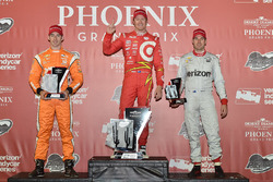 Podium: race winner Scott Dixon, Chip Ganassi Racing Chevrolet, second place Simon Pagenaud, Team Penske Chevrolet, third place Will Power, Team Penske Chevrolet
