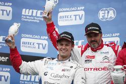 Podium: Tom Chilton, Sébastien Loeb Racing, Citroën C-Elysée WTCC and Yvan Muller, Citroën World Touring Car Team, Citroën C-Elysée WTCC