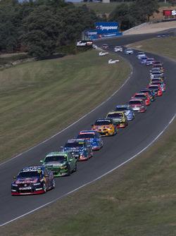 Start action: Shane van Gisbergen, Triple Eight Race Engineering Holden leads