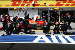 Max Verstappen, Red Bull Racing RB12 in the pits