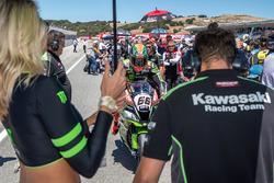 Tom Sykes, Kawasaki Racing Team arrives to the grid