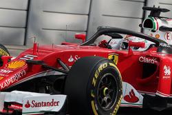 Sebastian Vettel, Ferrari SF16-H with the Halo cockpit cover