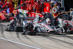 Will Power, Team Penske Chevrolet, pit action