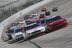 Brad Keselowski, Team Penske Ford, Justin Allgaier, JR Motorsports Chevrolet