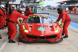 #82 Risi Competizione Ferrari 488 GTE: Giancarlo Fisichella, Toni Vilander, Matteo Malucelli