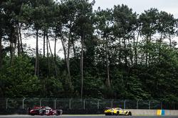 #64 Corvette Racing Chevrolet Corvette C7-R: Oliver Gavin, Tommy Milner, Jordan Taylor, #8 Audi Sport Team Joest Audi R18: Lucas di Grassi, Loic Duval, Oliver Jarvis