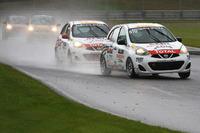 Nissan Micra Cup Photos - Xavier Coupal