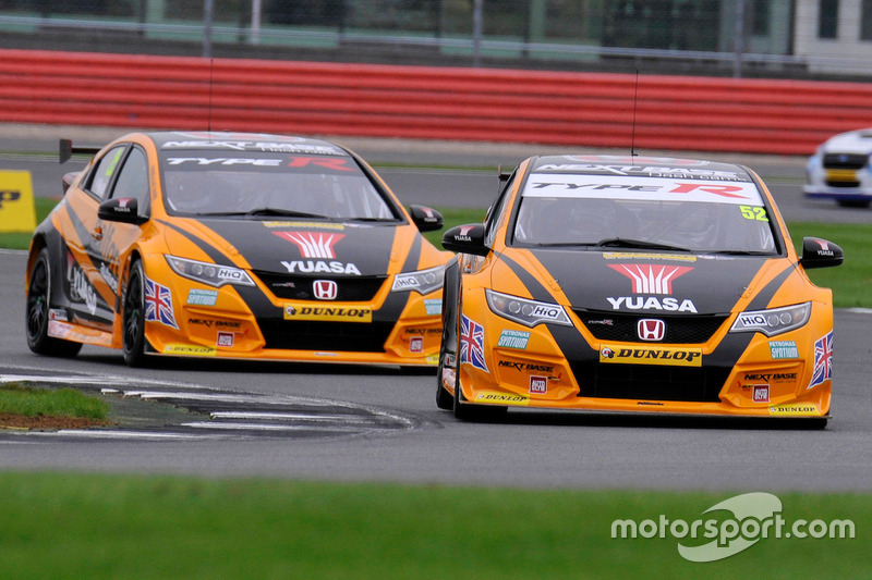 52 gordon shedden halfords yuasa racing honda civic. Black Bedroom Furniture Sets. Home Design Ideas
