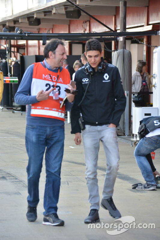 Esteban Ocon, collaudatore Renault, con il giornalista Roberto Chichero