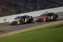 Kasey Kahne, Hendrick Motorsports Chevrolet, Kurt Busch, Stewart-Haas Racing Chevrolet