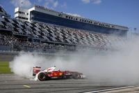 Ferrari Photos - Sebastian Vettel, Ferrari F60