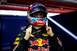 Max Verstappen, Red Bull Racing prepares in the garage