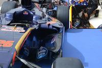Formule 1 Photos - Détail du ponton de la Toro Rosso STR11