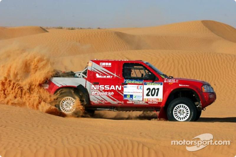 Dakar: Nissan stage five report