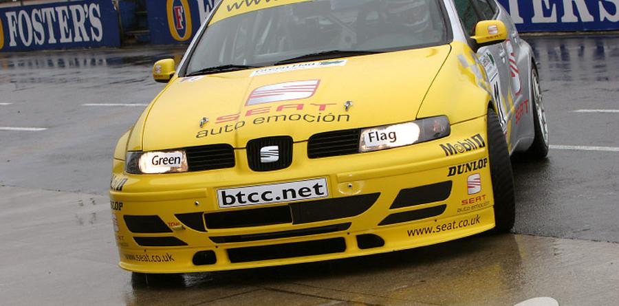BTCC: Plato the rainmaster in Silverstone second practice