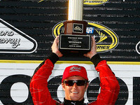 Kahne claims Pocono victory