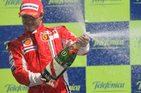 Massa conquers streets of Valencia