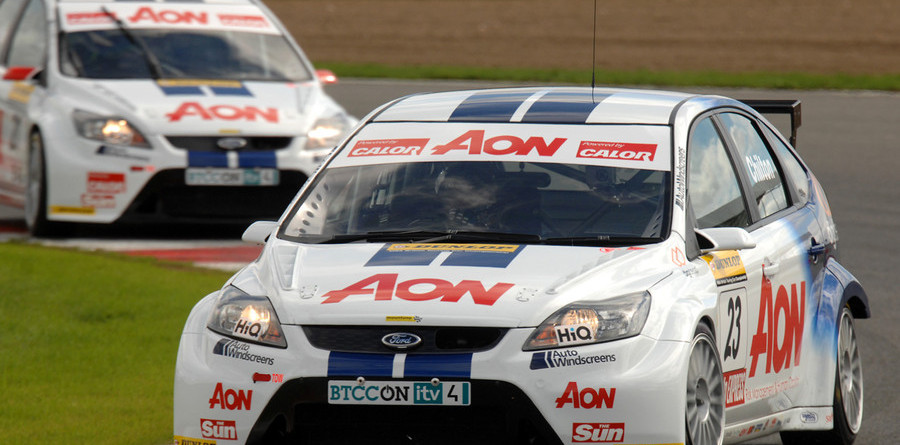 Team Aon dominate Silverstone qualifying