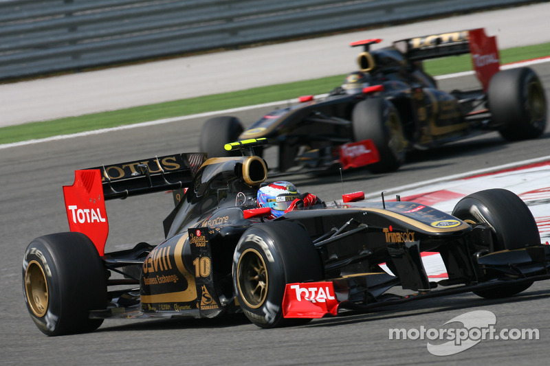 Pressure growing on Heidfeld at Renault