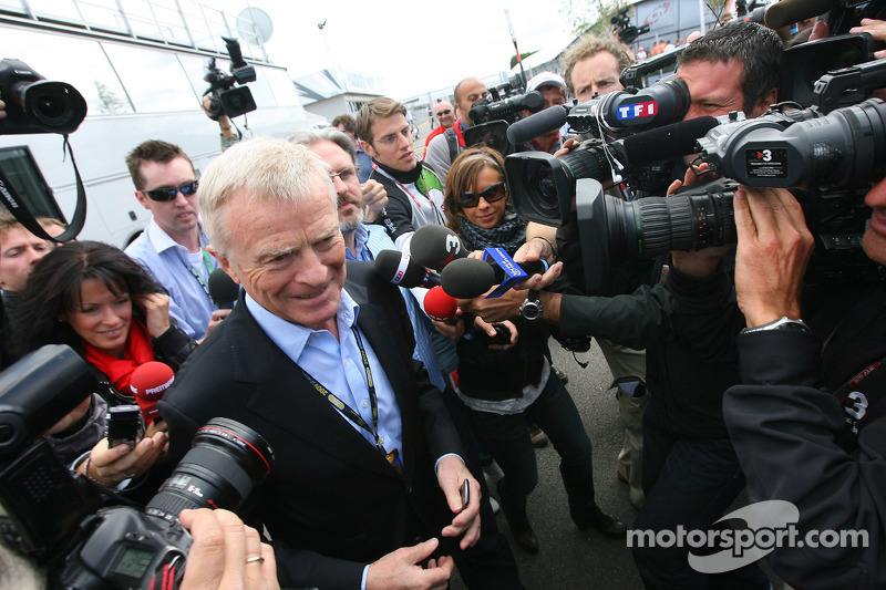 Mosley Formula One to be unhurt by Gribkowsky affair