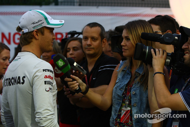 Mercedes Singapore GP Friday practice report