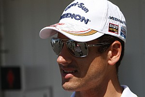 Renault edges towards signing Grosjean for 2012