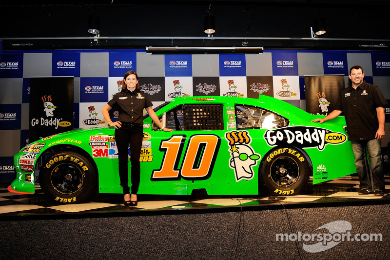 Stewart-Haas Racing announces Danica Patrick's 2012 races